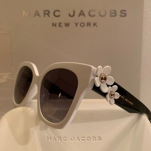 Marc Jacobs Sunglass Style DaisyS